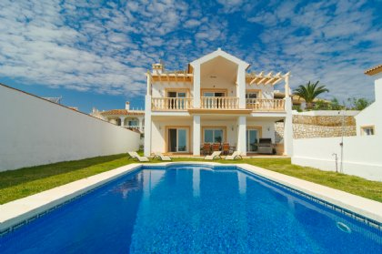 4 bedroom Villa for rent in Mijas Costa