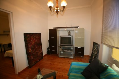4 bedroom Apartment for rent in Exarchia