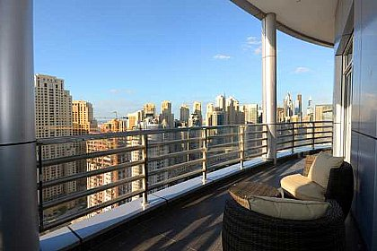 Large 4 Bedroom Apartment In Dubai Marina Sleeps 10