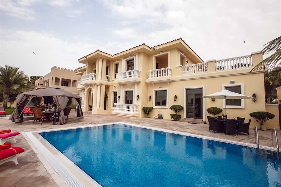 5 Bedroom Villa In Palm Jumeirah Villas Alpha Holiday